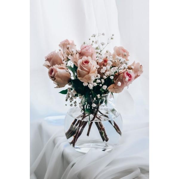 Wazon na kwiaty w kształcie kuli z cylindrycznym zakończeniem
